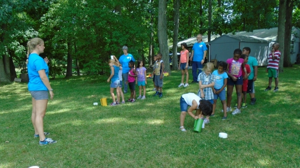 A water relay game at Discovery Day – July 2016